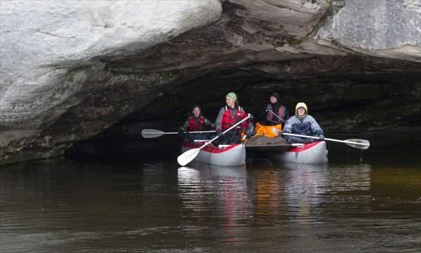 Пещерка для катамарана