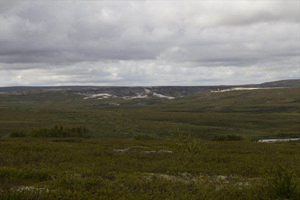 Белые каньоны Белой реки и тундра.