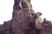Советская гавань — скала `Окаменелый воин`