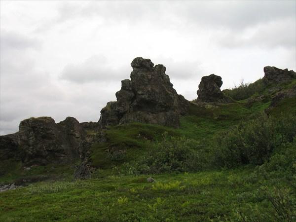 Скалы на Среднем
