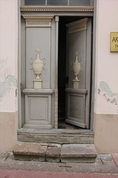 090-Двери
