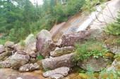 Водопад на р. Тайгиш перед оз. Малахитовая ванна