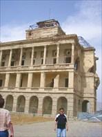 Руины дворца Амина.