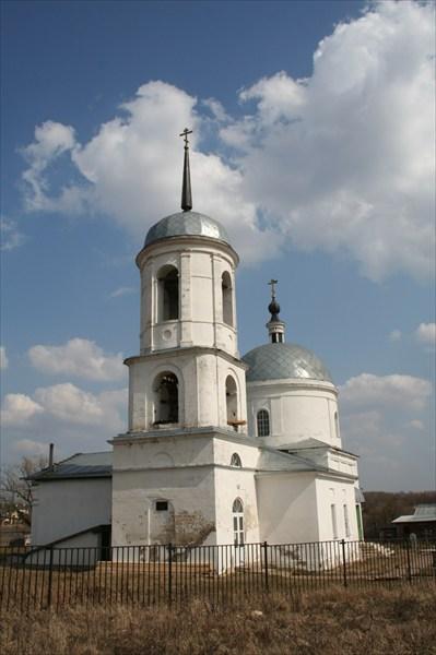 на фото: церковь в Овечкино