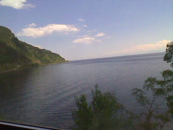 Байкал из окна вагона - прекрасно, безопасно, НО...