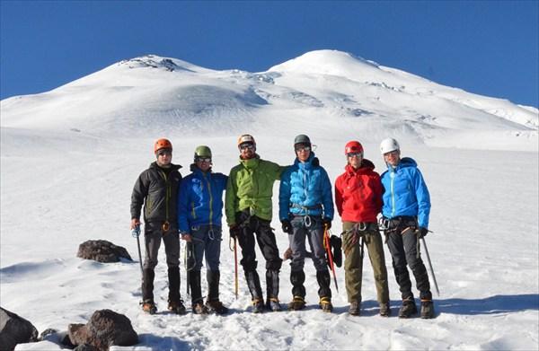 Выход на ледник 3700