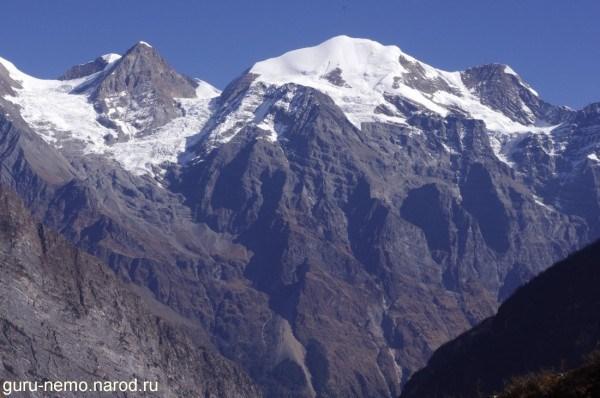 Массив Nubri(6335 м.)