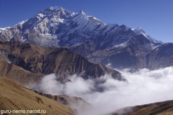 Annapurna I(8091 м.) и Bharha Chuli(Fang)(7647 м.)