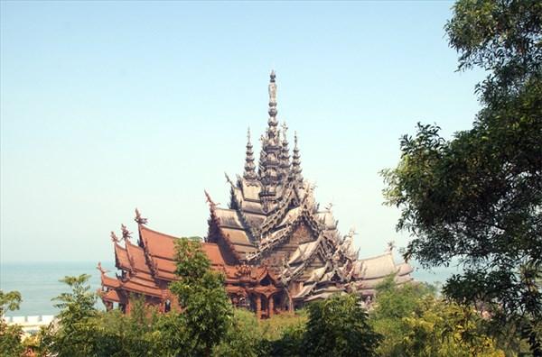 на фото: Храм Истины