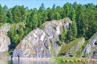 Скалистые берега Енисея