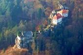 Средневековый замок Вальдштейн