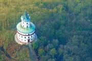 Средневековый охотничий замок Гумпрехт