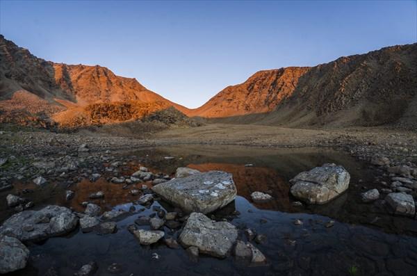 Вид на Западно- Пайерский перевал с места стоянки