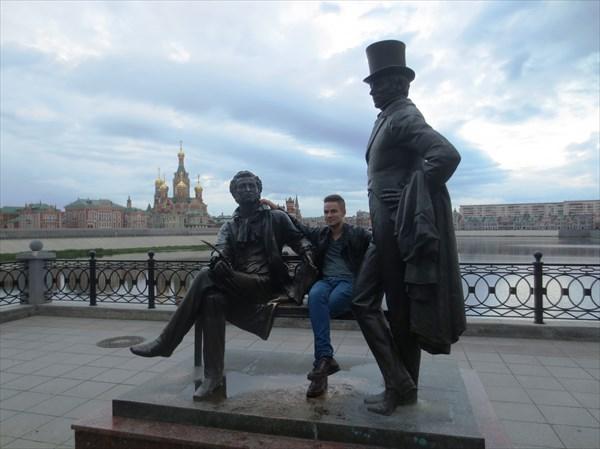 Памятник А. С. Пушкину и Евгению Онегину 2011