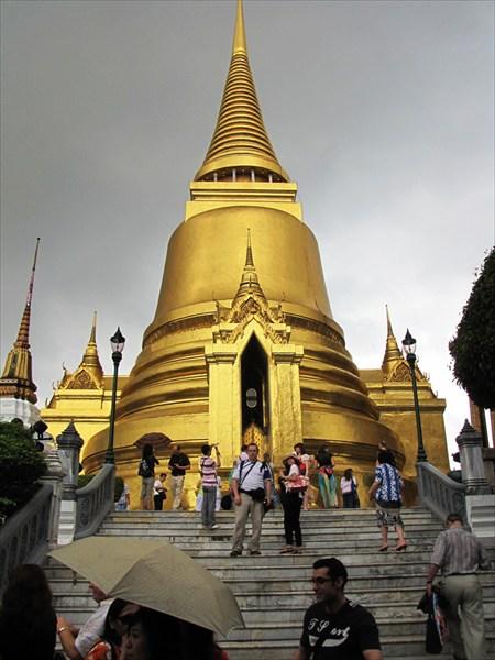 на фото: Бангкок. Grand Palace. Чеди Пхра-Си-Ратана