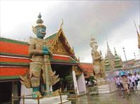 Бангкок. Grand Palace. Фигуры ракшасов