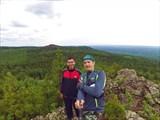 Слева от нас вершина Старика Камня. 755,4 м.