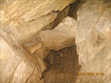 Своды киселевской пещеры. Переход во второй грот