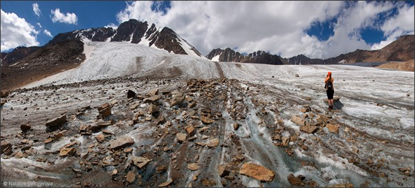 на фото: Ледник Джело