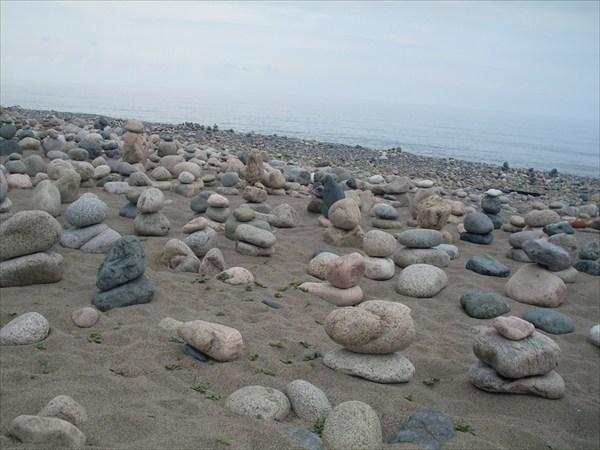 Каменный сад на побережье в Сухуме