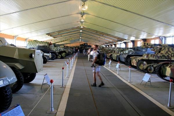 Заехали в музей боевой техники