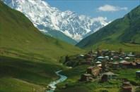 Община Ушгули в ущелье горы Шхара