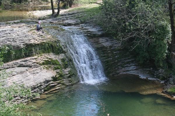 Водопад по дороге к Цебельде