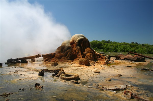 Горячий термальный источник неподалеку от Очамчыры