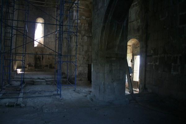 Дверь заперта, а внутри планируется ремонт