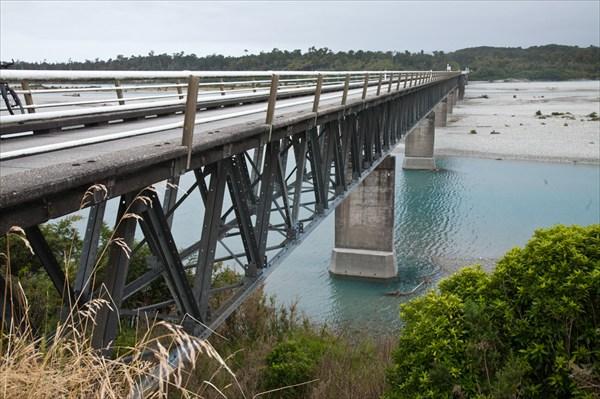 Шоссе SH6, мост за поселком Хааст.