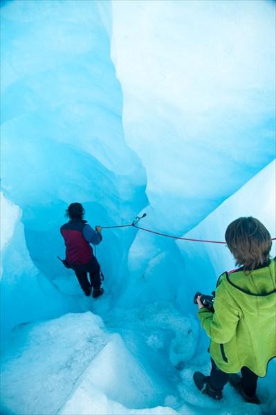 Ледник Фокс. Спуск в ледяную пещеру.