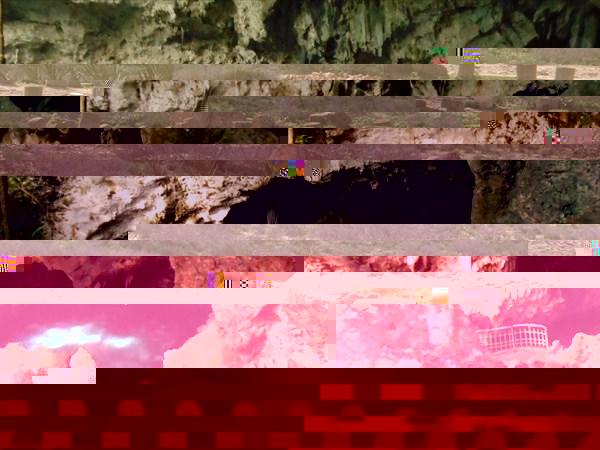 """Одно из озёр пещеры """"Три глаза"""""""