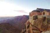 Храм Святой Троицы на вершине горы Моисея
