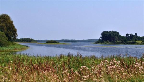 на фото: село Озерное, старт на оз.Волобо