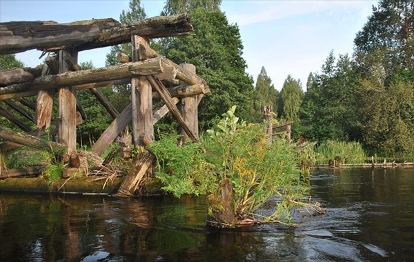разрушенный мост в Бухово