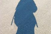 силуэт на песке