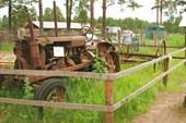 Один из первых советских тракторов