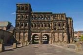 Порта Нигра (античные ворота)