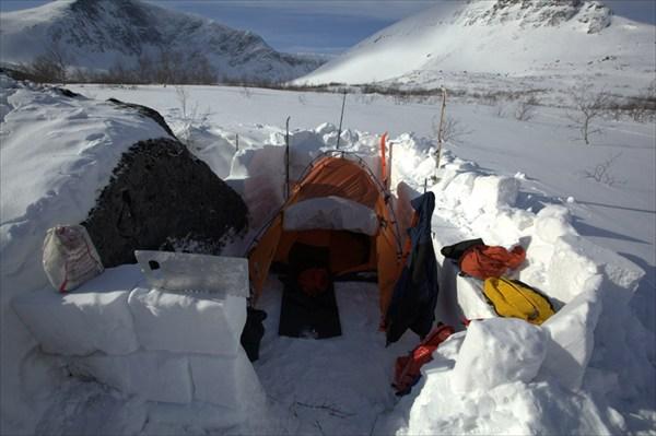 Лагерь на ручье Петрелиуса