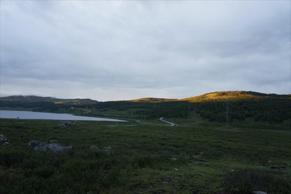 По дороге домой остановились на озерах.