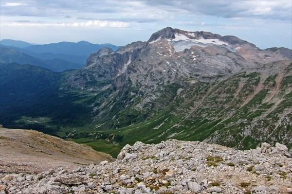Вид на гору и приют Фишт