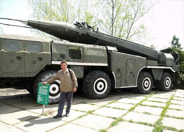 Оперативно-тактический ракетный комплекс 8К-72