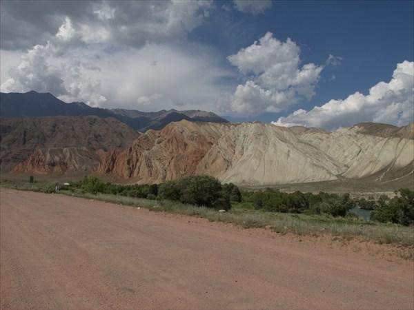 Конец долины Кекемерена. Местность Арал.