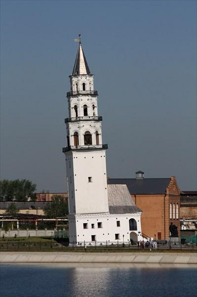 Невьянская наклонная башня