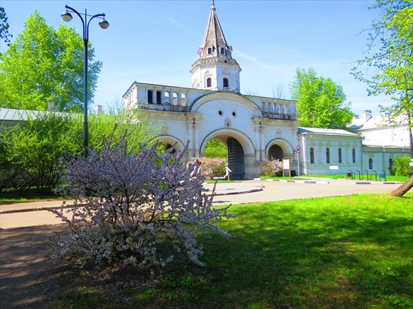 Передние ворота Государева двора («Белая башня») 1682