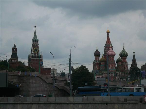 Вид на Кремль и Храм Василия Блаженного