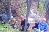 У пещеры Октябрьской