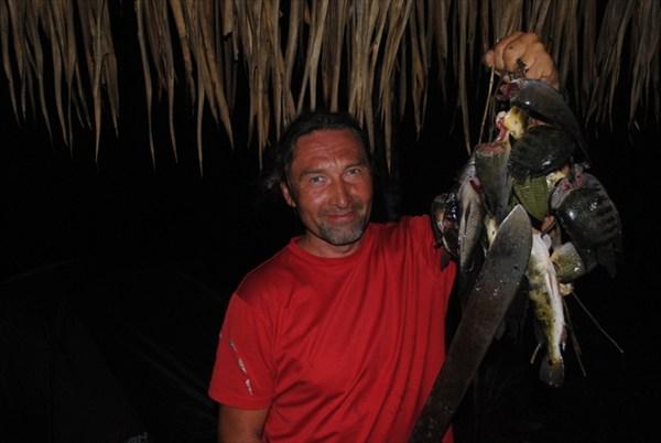 Ночная рыбалка с мачете