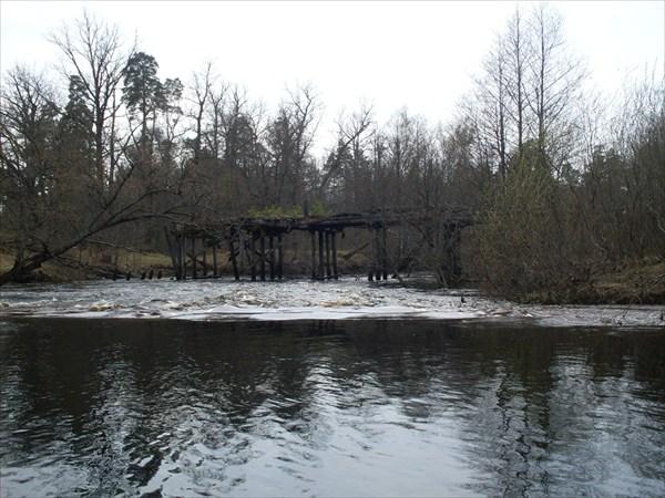Затопленные бетонные трубы ( летом - это мост)