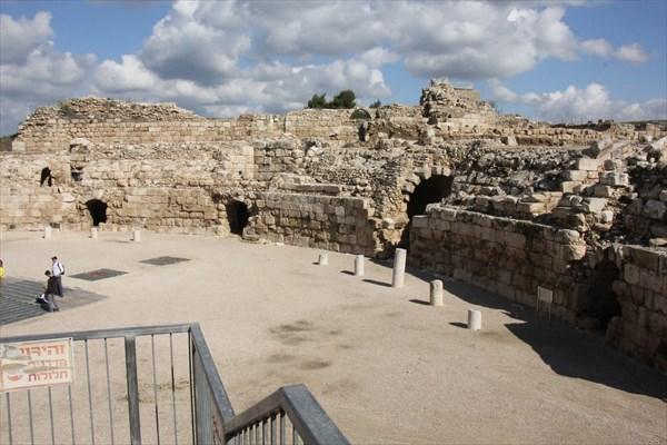 151-Амфитеатр